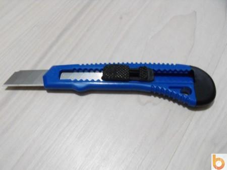 Sniccer (barkács kés) nagy